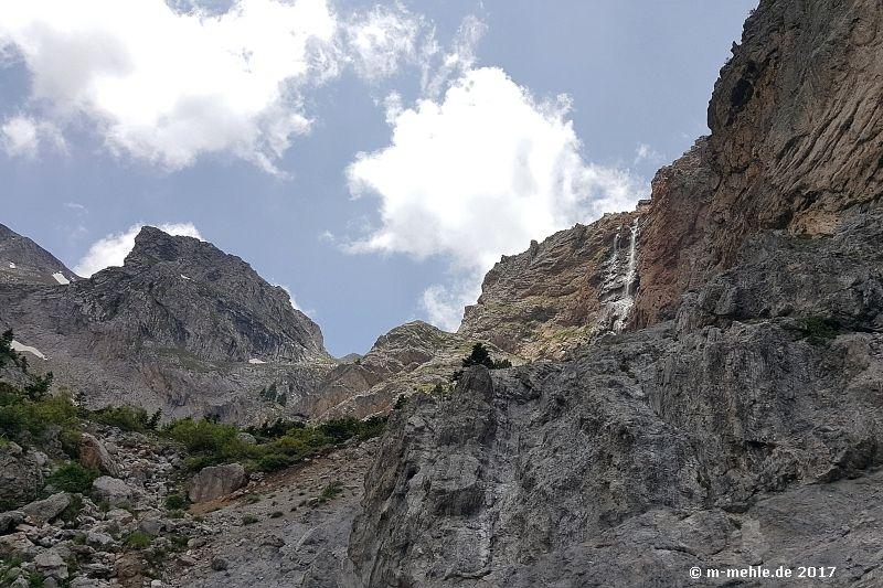 Blick auf den Wasserfall des Styx