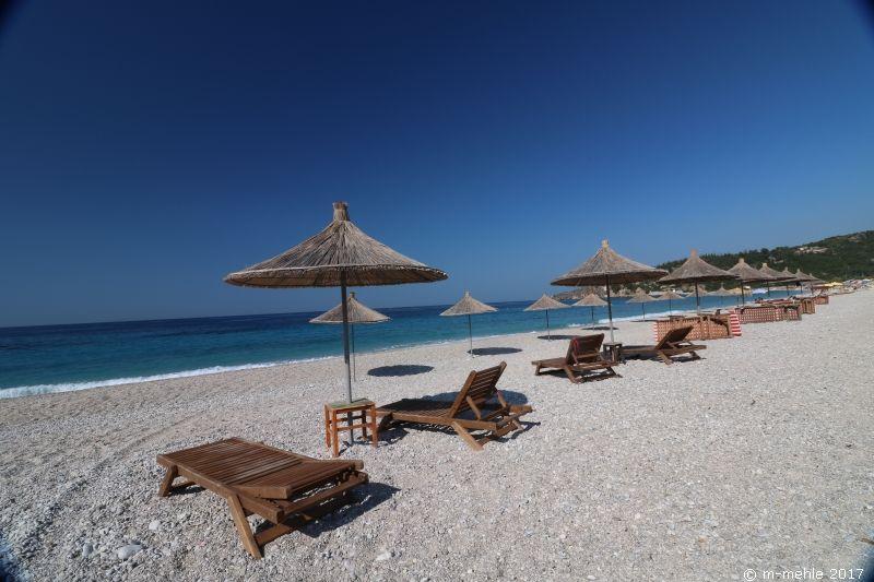 Blick über den Strand von Livadh Beach